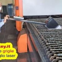 Pulizia griglie macchine taglio laser con utensile NextKey srl