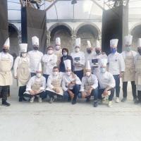 Gran successo con solidarietà, formazione e nuovi volti, al centro di Napoli