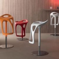 Artigiani in Città inaugura la nuova produzione dedicata alle sedute