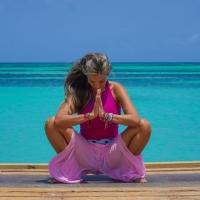 Da avvocato a insegnante di yoga ai Caraibi: la storia di Maria Pucci
