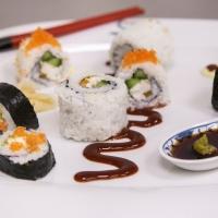 """Per celebrare la Giornata Internazionale del Sushi, HAPO propone due gustose ricette a tema: il Sushi Roll e il Sushi Burger, entrambe a base di branzino, rigorosamente """"firmato"""" Fish from Greece"""