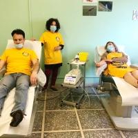 I Ministri Volontari di Scientology donano il proprio sangue