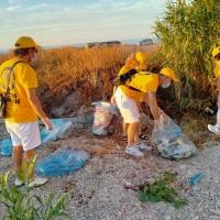 Ministri volontari a Marotta per la Giornata di azione europea raccolta coperchi di plastica