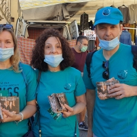I volontari di Mondo Libero dalla Droga in azione sul litorale toscano
