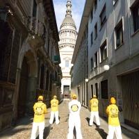 Ministri Volontari di Scientology in azione a Novara