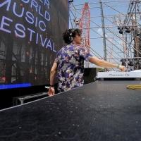 Deitz, vincitore del MINI Meets Music Contest, sul palco del MINI presents Water World Music Festival a Cala dei Sardi (SS) con Radio 105