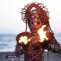Woodoo by Circo Nero Italia incanta Vesper Beach - Capriccioli (OT) ogni domenica
