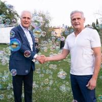 Un attestato di merito a Graziella Braccialini dal presidente Eugenio Giani