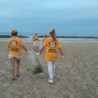 A CESANO volontari all'opera: raccolti due bei sacchi tra plastica e spazzatura nell'arenile e sul lungomare!