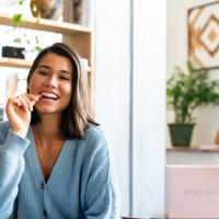Settembre, tempo di buoni propositi: perché non mettere in lista anche la cura del proprio sorriso?