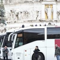 Bus turistici, servono i 50 milioni già stanziati per dare ossigeno al settore