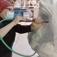 Un'artista ed un mecenate: Giovanni Leonardo damigella dona scultura di Elena Mutinelli