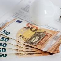 Bollette: nel Lazio prezzi in aumento del 5,1% rispetto al 2019
