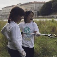 Mezza tonnellata di rifiuti raccolti nel flash-mob di Clean the Planet per ripulire gli argini del Po