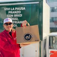 Milano, 1000 pasti gratuiti consegnati ai dipendenti dei centri direzionali Bodio e Centro Leoni  Via al food delivery dedicato alle aziende