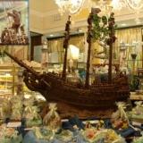 Un galeone in città: Bastianello rende omaggio ai Pirati.