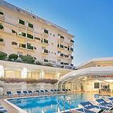 Un hotel 5 stelle Riccione per una raffinata ospitalità sul Lungomare