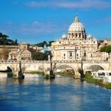 agoda.com propone alcune offerte speciali a Roma e Parigi e una lista delle migliori destinazioni per le coppie
